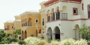 buy villa in dubai